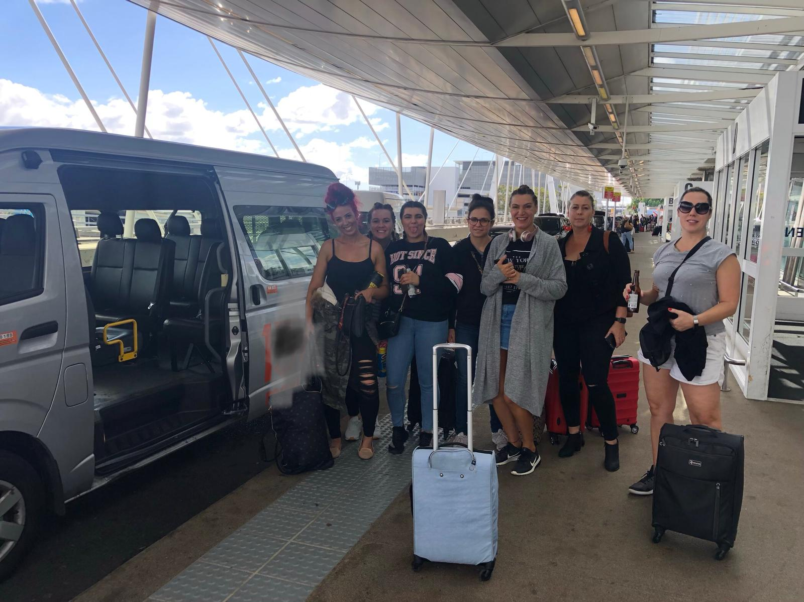 Sydney airport maxi taxi services