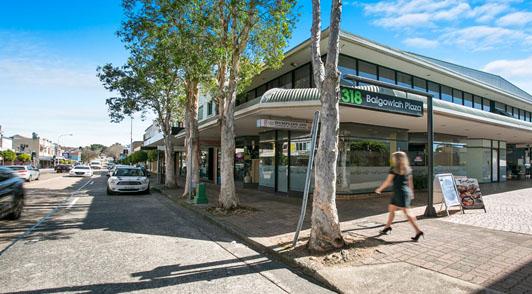 Maxi Taxi near Balgowlah, Sydney