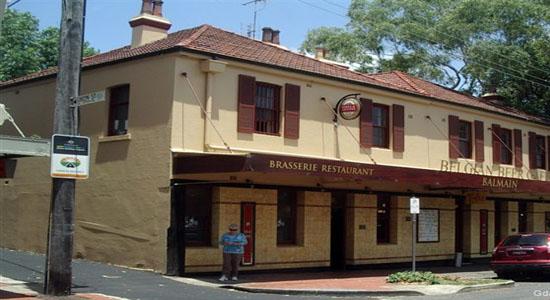 Maxi Taxi near Balmain Sydney