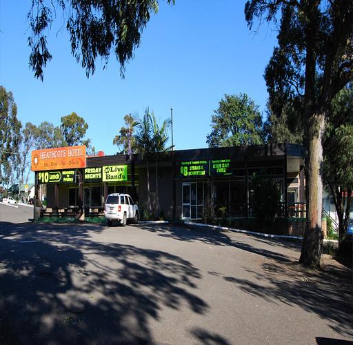 Maxi taxi Heathcote,sydney,nsw