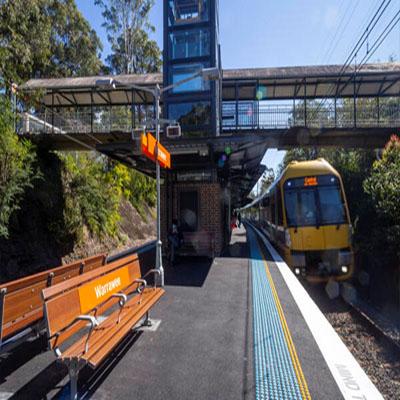Maxi/Taxi to Warrawee Sydney